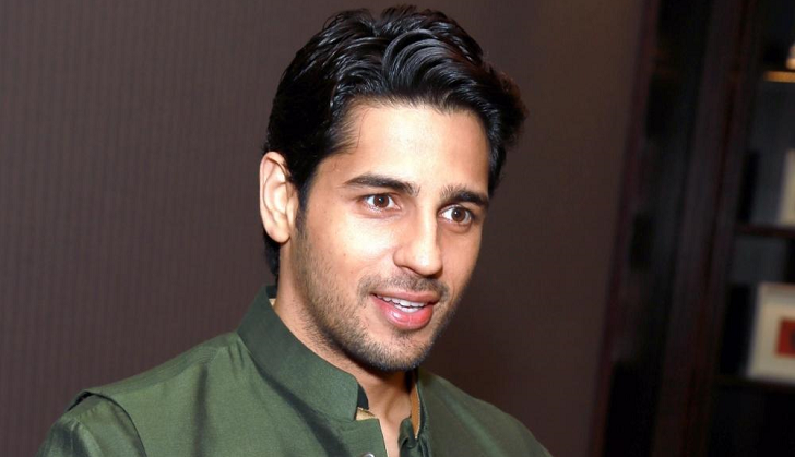 Siddharth Malhotra reveals many secrets about him. Admits having phone sex