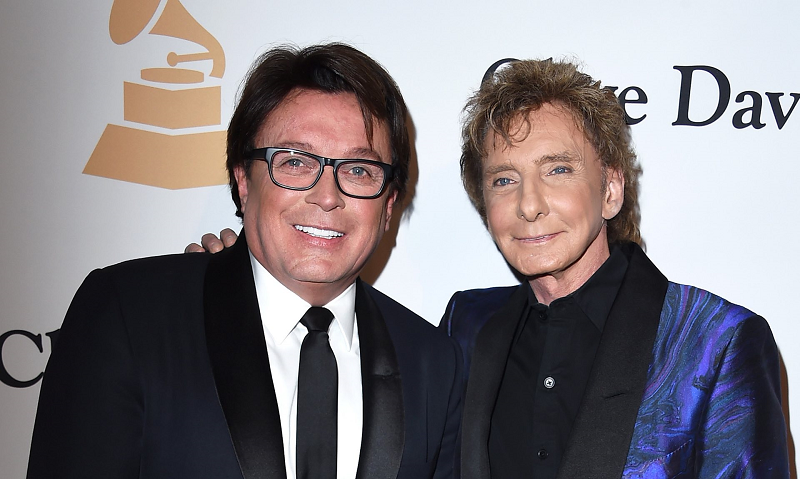 Barry Manilow is out of Closet, at 73 he admitted being Gay and Married to his Manager