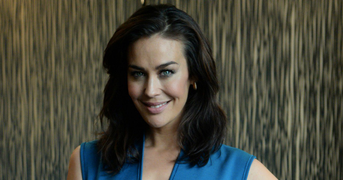 Australian Model Megan Gale pregnant with second Child, Announces on Instagram, See Pic!
