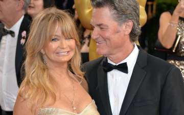 American Actor Kurt Russell and Goldie Hawn's First Date Interrupted By Police, Caught Having Sex