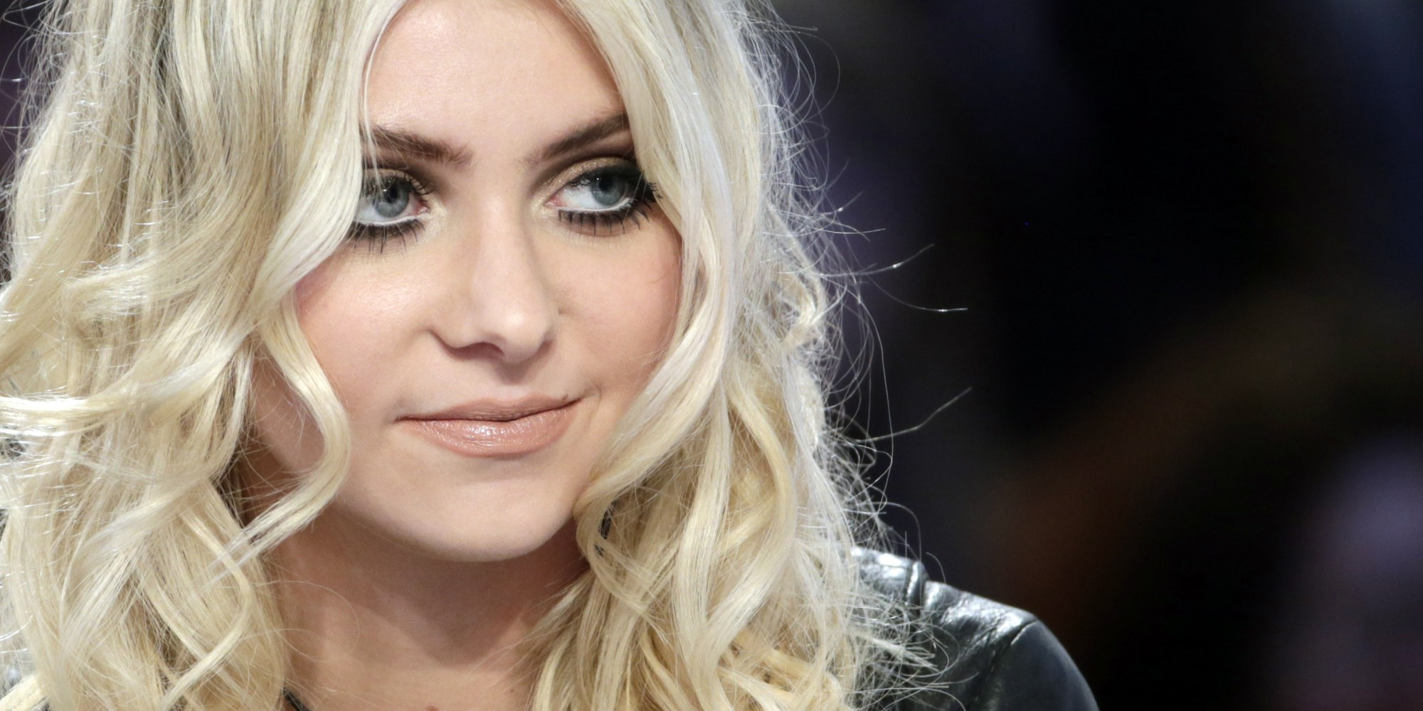 Taylor Momsen filled with Bouts of Tears, While Paying Tribute to Chris Cornell