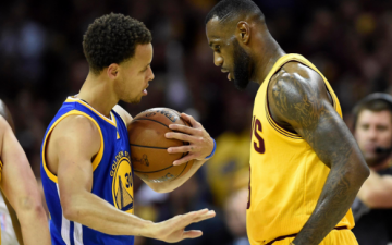 LeBron James opines,Stephen curry is Underpaid