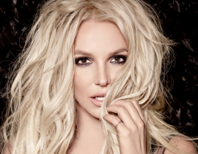 Megastar Britney Spears Mobbed by Fans on her Trip to Israel