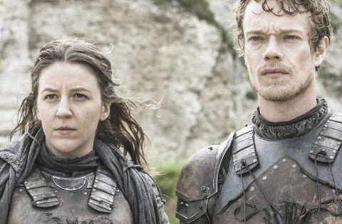 GAME OF THRONES: Theon and Yara Grejoy Love to work Together