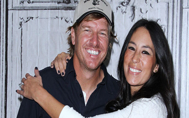 fixer upper star chip gaines impressively shut down rumors of a split with wife joanna. Black Bedroom Furniture Sets. Home Design Ideas