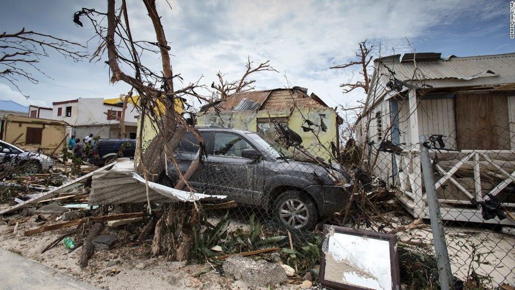 Hurricane Irma turns deadly,a threat to lives around: UPDATES