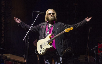Tom Petty's Music Sales Leap 6,216% In wake Of His Death At Age 66