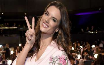 Supermodel Alessandra Ambrosio Set To Retire From Victoria's Secret After 2017 Fashion Show