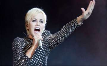 Cranberries Noel Hogan Talks About Dolores O'Riordan  2L