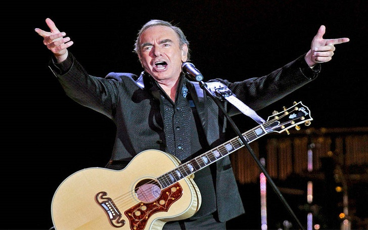 Neil Diamond Diagnosed with Parkinson's, Retires from Concert Touring