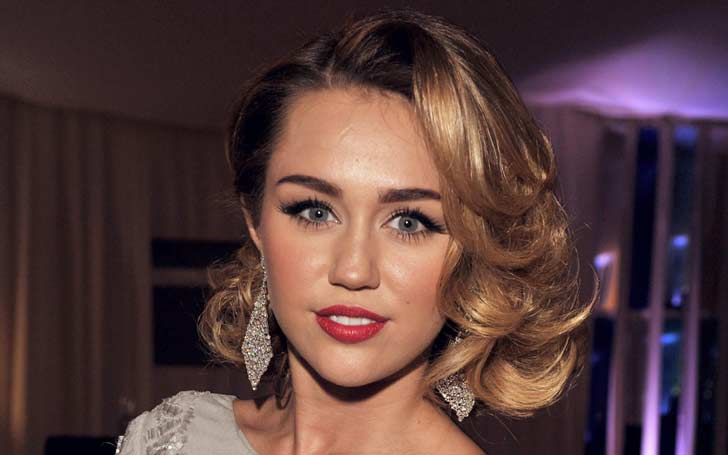 Bye Bye Weeds! Miley Cyrus Life A No Smoking Zone: Says 'I want to be super clear and sharp'
