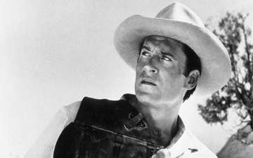 Clint Walker, Earlier Television Western 'Cheyenne' Star, Dies at Age 91
