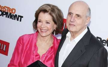 Jessica Walter Cries Over Jeffrey Tambor's Harassment; Says She is Over It Now!
