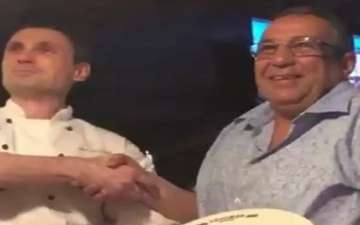 Dad Pretends to be Prime Minister of Morocco: Snatches Best Table at Restaurant