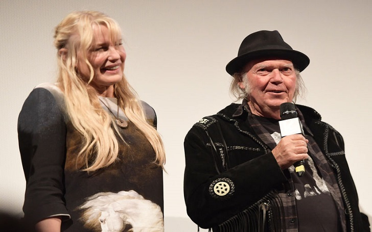 Actress Daryl Hannah Marries Musician Boyfriend Neil Young: Wedding Details