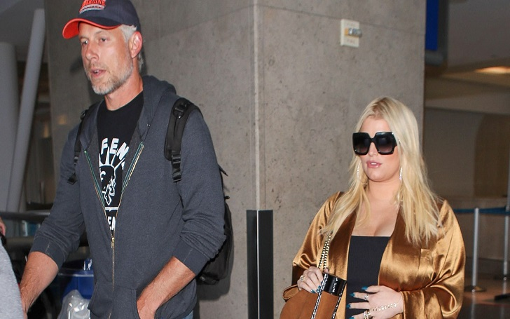 Pregnant Jessica Simpson Shows Baby Bump at LAX Airport With Husband Eric Johnson: Photos