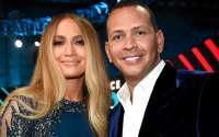 Jennifer Lopez Is Engaged to Boyfriend Alex Rodriguez: Shows Off Diamond Ring