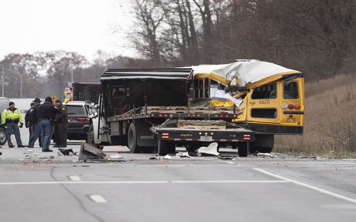 Truck Collides With Bus Carrying Girls Basketball Team; 1 People Dead, 1 Critically Injured