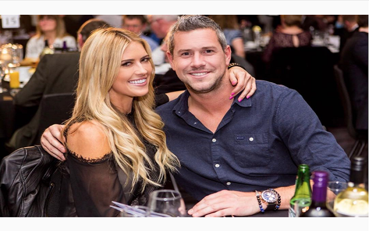 Christina El Moussa Super Sexy In Honeymoon Pics With Husband Ant Anstead: Sealed with a kiss!