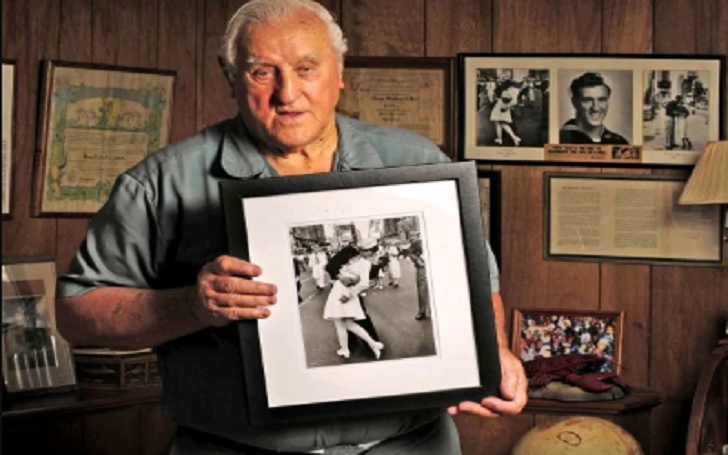George Mendonsa, Sailor in Iconic World War II V-J Day Kissing Photo, Dies At Age 95