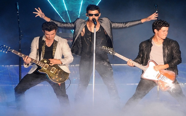 The Jonas Brothers Plans a Reunion 6 Years After Split