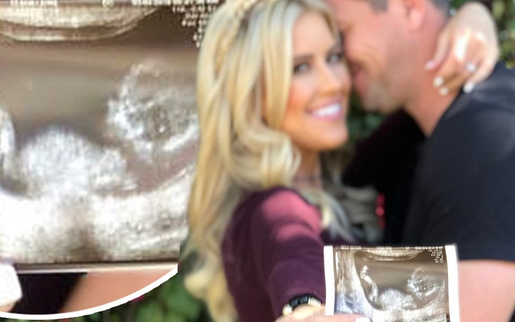Christina El Moussa is Pregnant, Expecting First Child With Husband Ant Anstead