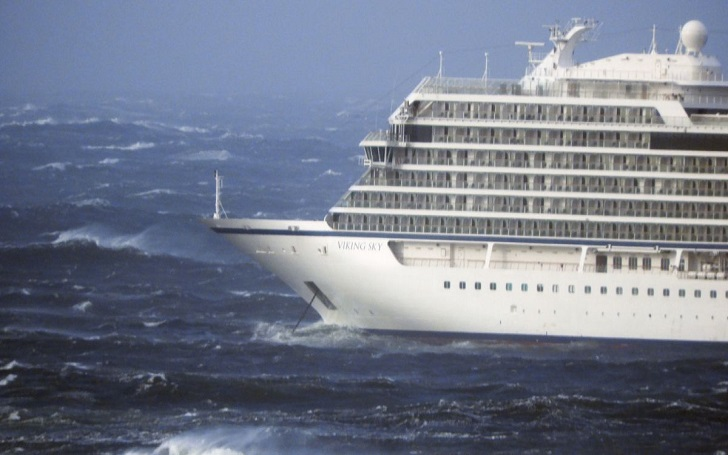 1300 Cruise Ship Passengers Evacuated By Helicopter Due to Engine Problems in Norway