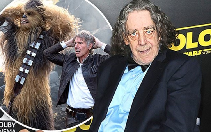 Peter Mayhew, Actor Who Played Chewbacca in Star Wars, Dies At Age 74