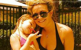 Jamie Lynn Spears and her daughter, Maddie Briann Aldridge, have fun at pool.