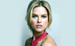 Alice Eve terrifying experience of flying,