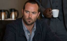 Who is actor Sullivan Stapleton dating these days? Is he married or does he have a girlfriend?
