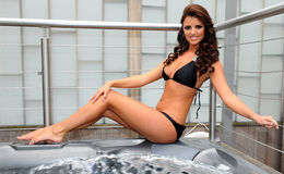 Glamour Model Lucy Mecklenburgh Already Engaged! Also Know Her Present Boyfriend And Past Affairs