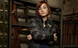 Actress Allison Scagliotti is Single or married? Who is she dating Currently?