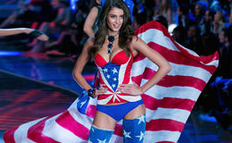 Is Victoria Secret Angel's 21 Years Taylor Hill Currently Single? Who is she Dating Currently?