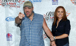 Stand-up Comedian Larry the Cable Guy is Living Happily With His Wife Cara Whitney & Children