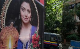 Today's Funeral: Chaos Outside Sridevi's Residence As Her Dead Body Arrives In Mumbai