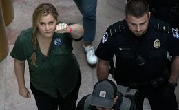 Amy Schumer, Emily Ratajkowski, Hundreds Arrested in Brett Kavanaugh Protest